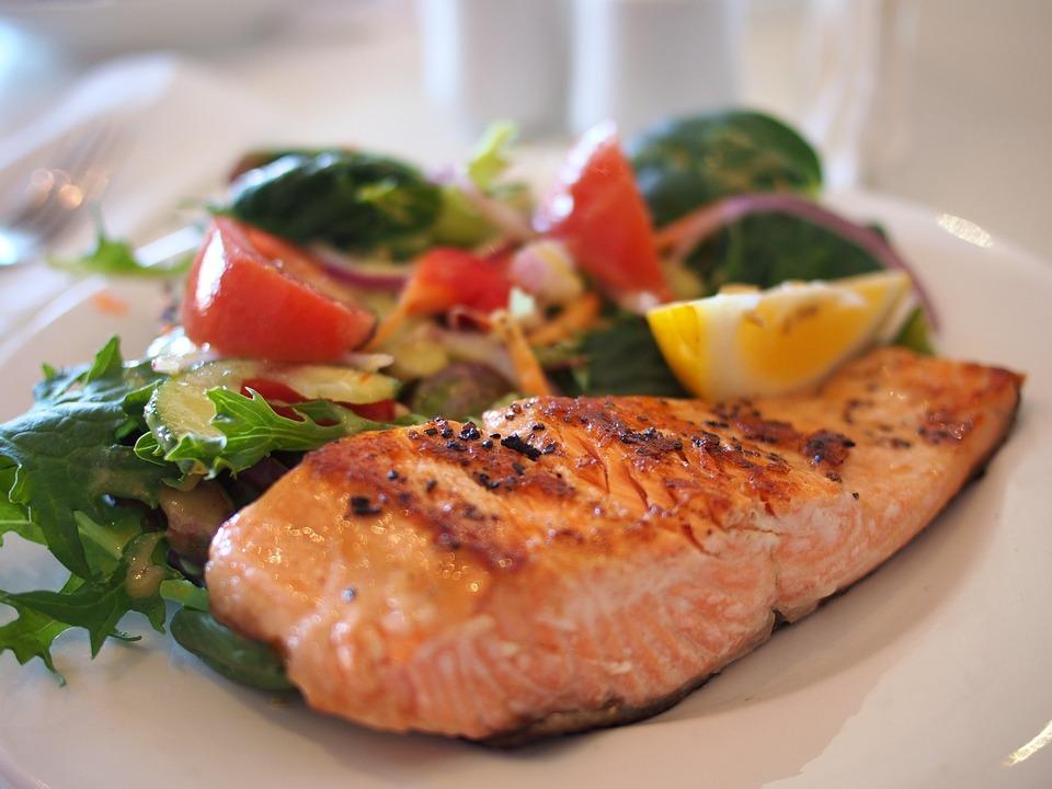 Le top 3 des restaurants spécialisés dans les poissons et fruits de mer à Hyères